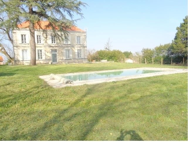 Sale house / villa Lapouyade 348 000€ - Picture 1