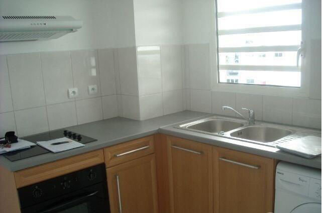 Location appartement St francois 430€ CC - Photo 5