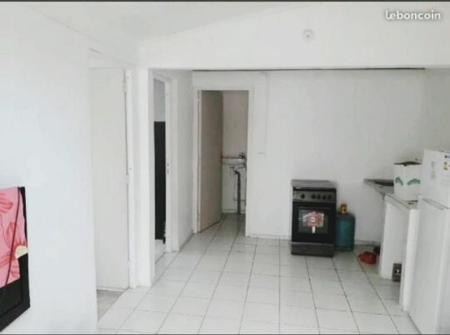 Rental apartment St pierre 690€ CC - Picture 3