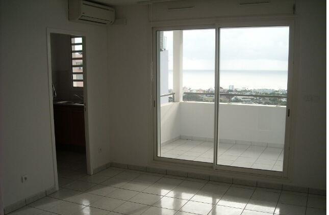Location appartement St francois 430€ CC - Photo 4