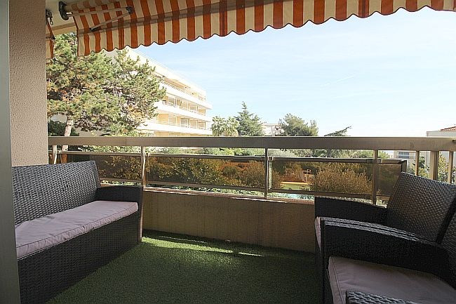 Sale apartment Nice 325000€ - Picture 2