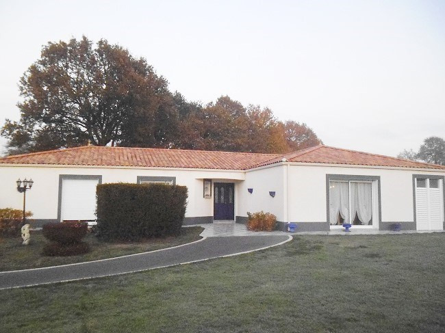 Deluxe sale house / villa Jard-sur-mer 475000€ - Picture 1