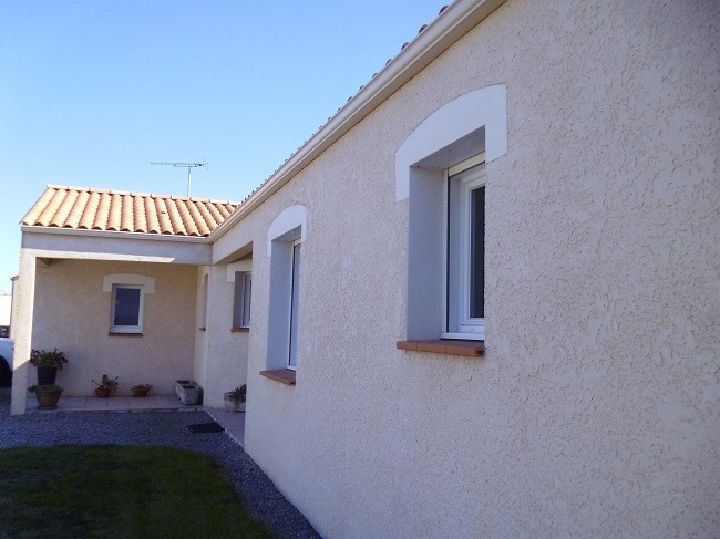Sale house / villa Coëx 243 500€ - Picture 1