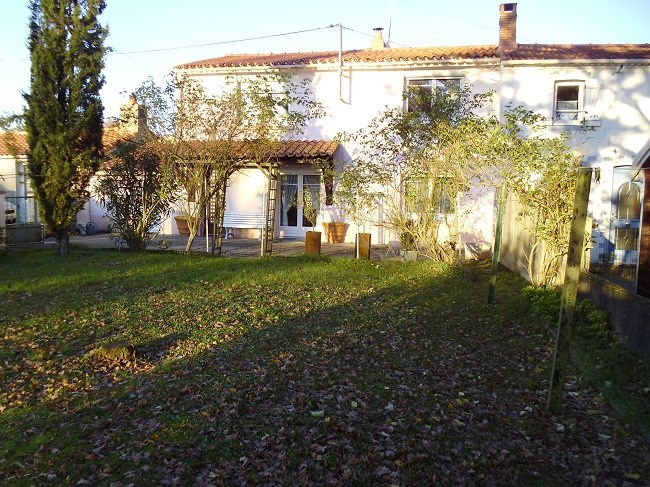 Sale house / villa Saint-philbert-de-grand-lieu 197 000€ - Picture 1
