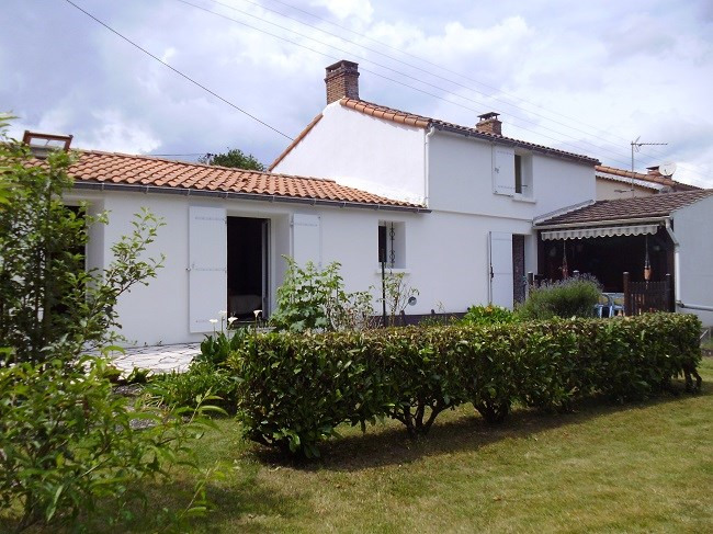 Sale house / villa Legé 125 000€ - Picture 1