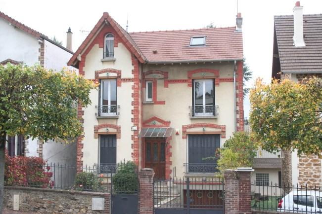 Sale house / villa Domont 480000€ - Picture 1