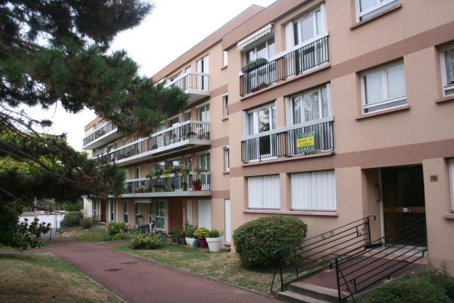 Sale apartment Soisy-sous-montmorency 132 000€ - Picture 1