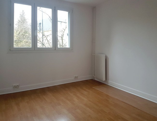 Rental apartment Le plessis-trévise 1 100€ CC - Picture 5