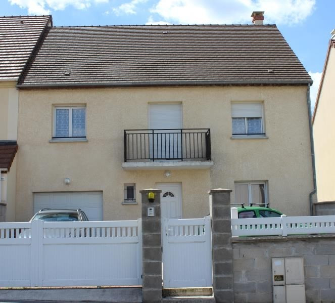 Sale house / villa La ferte gaucher 179 500€ - Picture 1