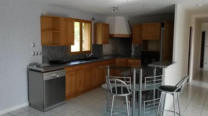 Rental house / villa Eclose badinieres 935€ CC - Picture 2