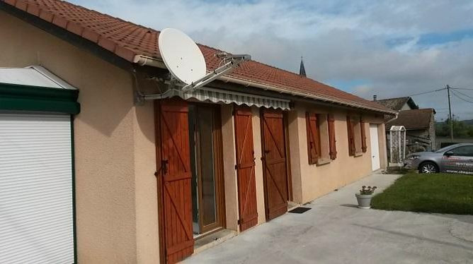 Rental house / villa Bourgoin jallieu 935€ CC - Picture 1