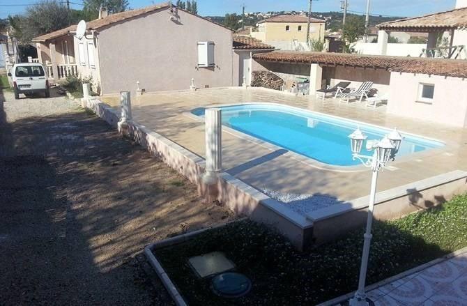 Rental house / villa Rochefort-du-gard 1550€ CC - Picture 2