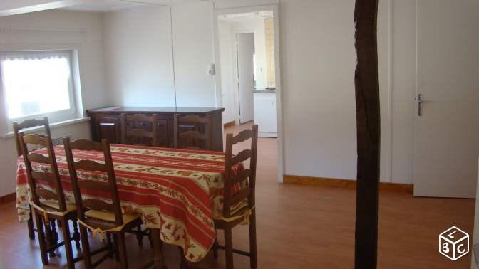 Location appartement Aire sur la lys 425€ CC - Photo 1