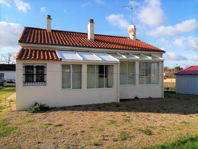 Sale house / villa Saint julien des landes 158000€ - Picture 1