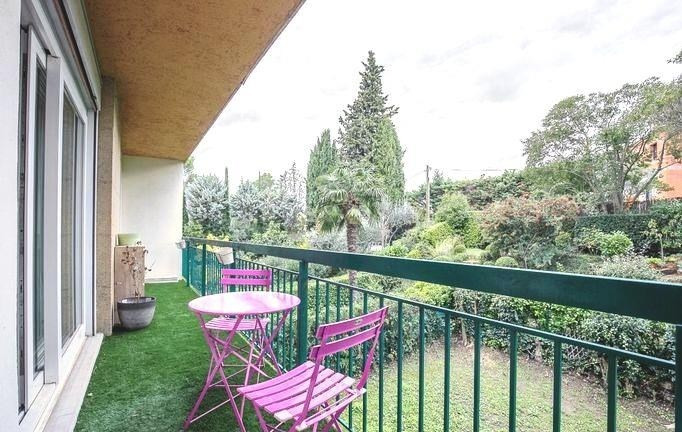 Sale apartment Aix en provence 242 000€ - Picture 1