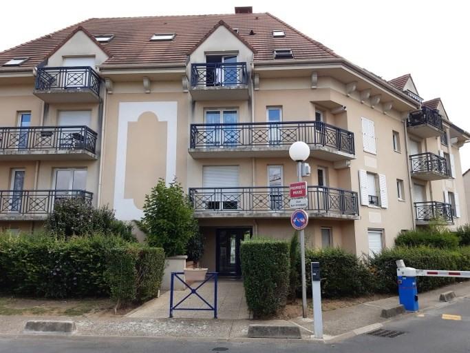 Rental apartment Bessancourt 875€ CC - Picture 1