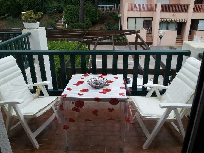 Location vacances appartement Bandol 270€ - Photo 5