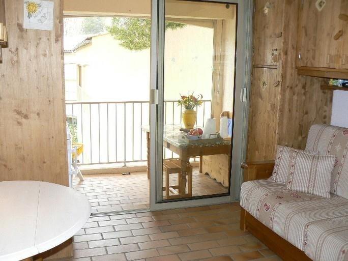 Location appartement Sanary sur mer 560€ CC - Photo 3