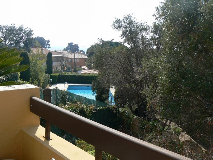 Vacation rental apartment Bandol 620€ - Picture 1