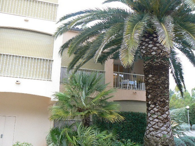 Vacation rental apartment Bandol 400€ - Picture 6