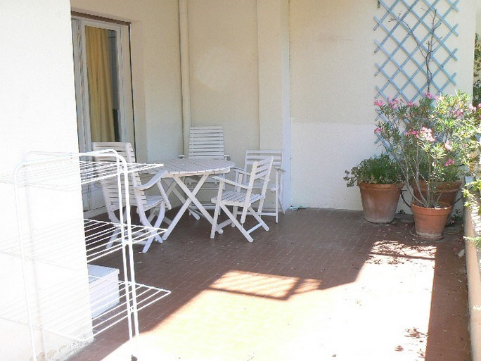 Location vacances appartement Bandol 490€ - Photo 8