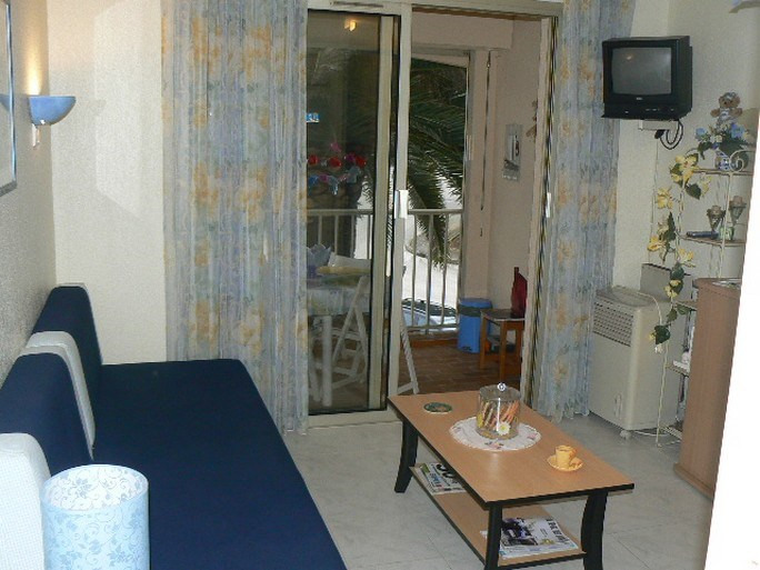 Vacation rental apartment Bandol 400€ - Picture 3