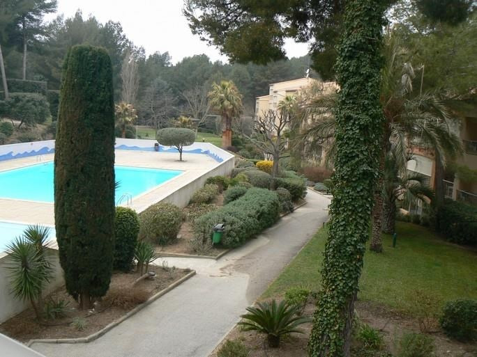 Location appartement Sanary sur mer 560€ CC - Photo 2