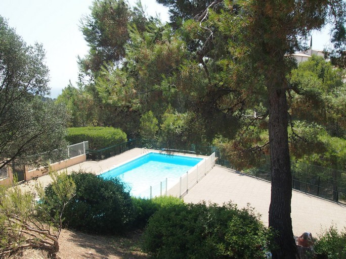 Vacation rental apartment Bandol 330€ - Picture 2