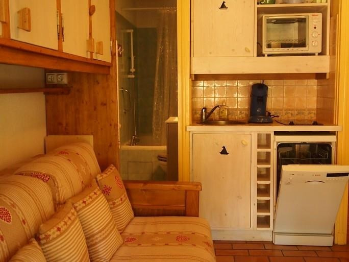 Location appartement Sanary sur mer 560€ CC - Photo 4