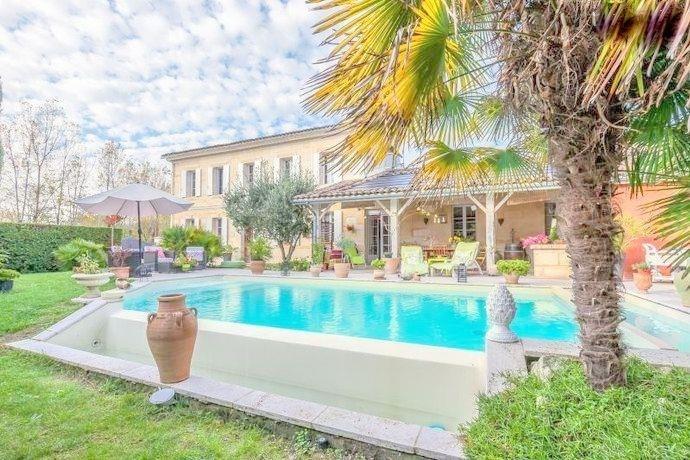 Sale house / villa St andre de cubzac 542850€ - Picture 1