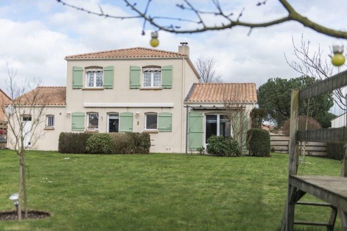 Sale house / villa Clisson 457600€ - Picture 1