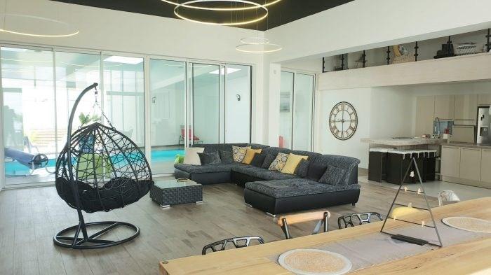 Deluxe sale house / villa La roche-sur-yon 599872€ - Picture 1