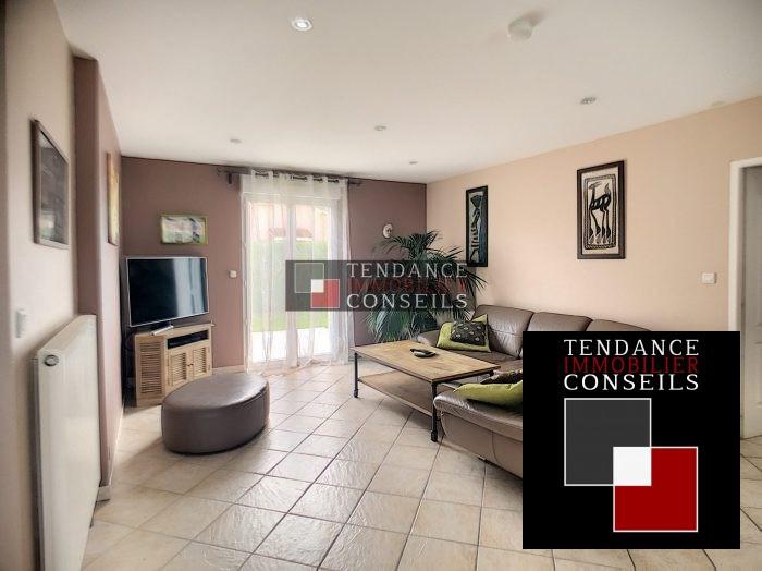 Sale house / villa Attignat 249600€ - Picture 3