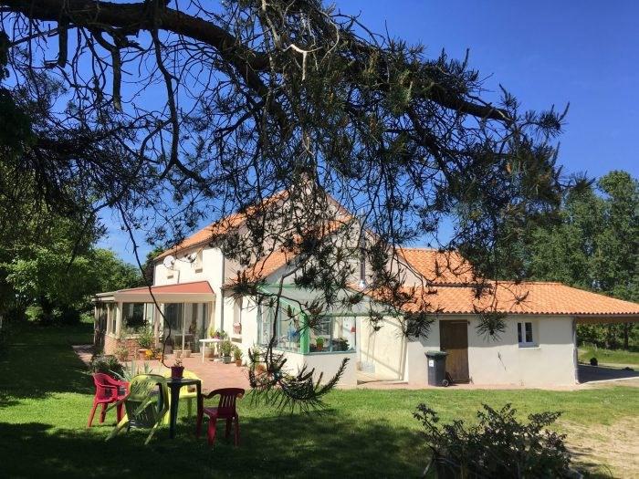 Sale house / villa Nesmy 321500€ - Picture 2