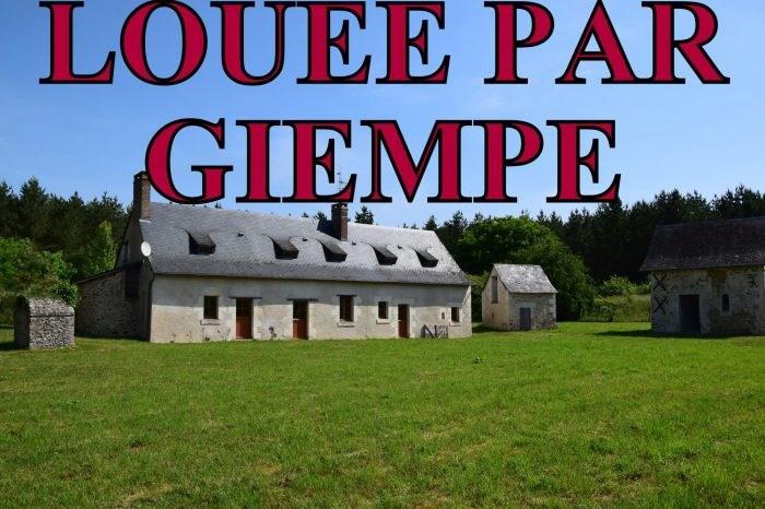 Location maison / villa Jarzé 610€ CC - Photo 1