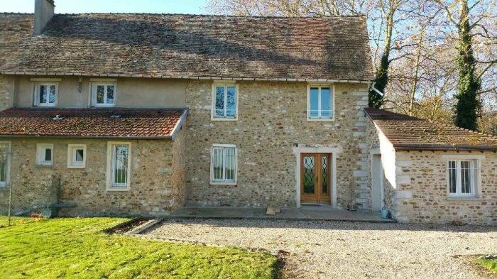Location maison / villa Douains 788€ CC - Photo 1