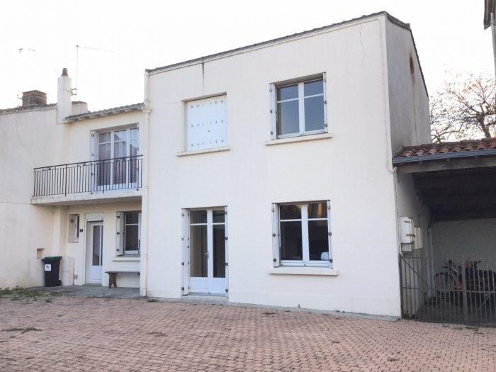 Investment property house / villa Saint-georges-de-montaigu 261000€ - Picture 3
