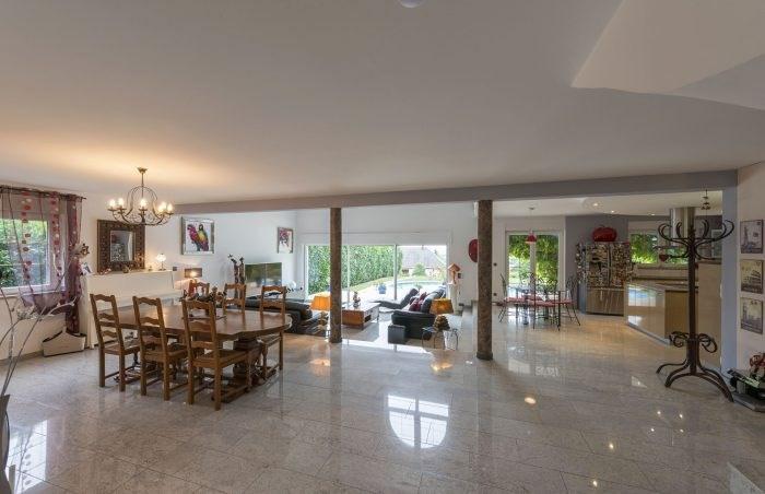 Deluxe sale house / villa Durningen 890000€ - Picture 3