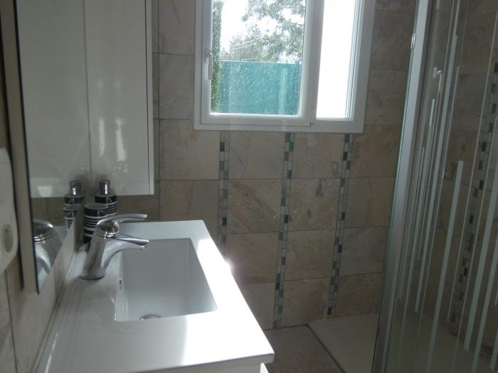 Sale house / villa Le puiset dore 216900€ - Picture 8