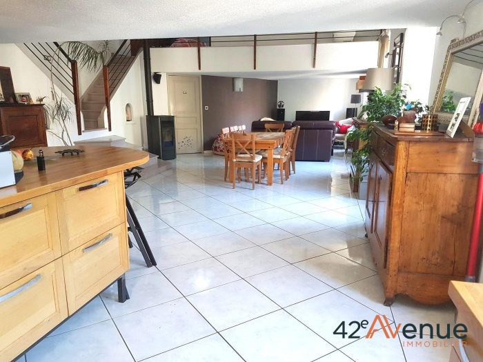 Sale house / villa Saint-étienne 231000€ - Picture 3