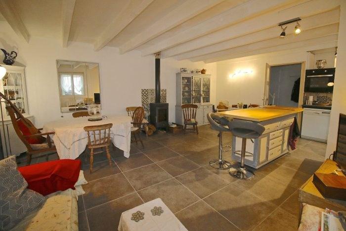 Vente maison / villa Mortagne-sur-gironde 139360€ - Photo 1