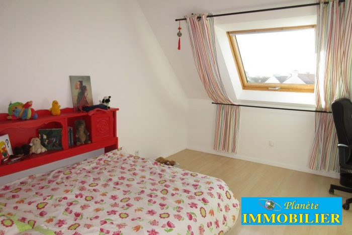 Sale house / villa Pont-croix 234 450€ - Picture 10