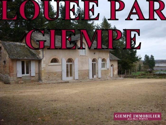 Rental house / villa Bazouges-sur-le-loir 585€ CC - Picture 1