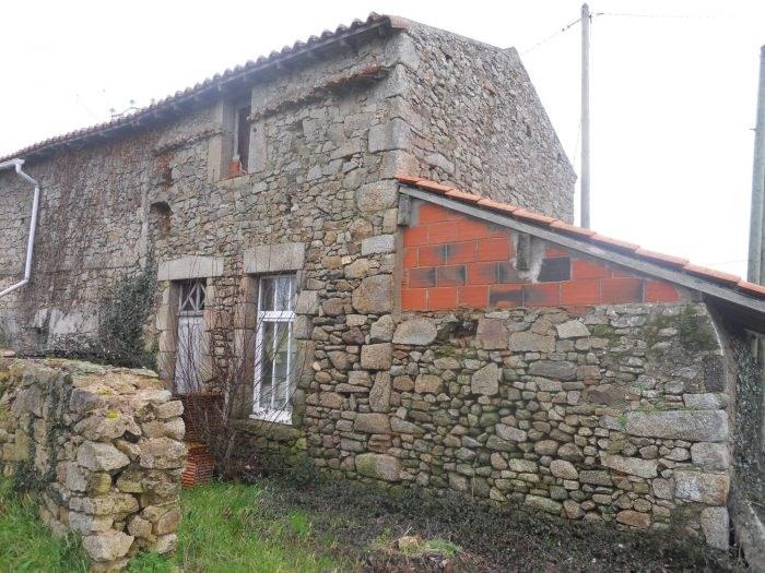 Sale house / villa Montigné-sur-moine 29800€ - Picture 1