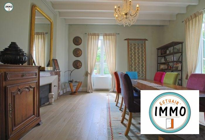 Deluxe sale house / villa Mortagne sur gironde 598900€ - Picture 2