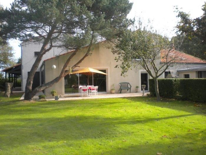 Deluxe sale house / villa Les brouzils 399900€ - Picture 1