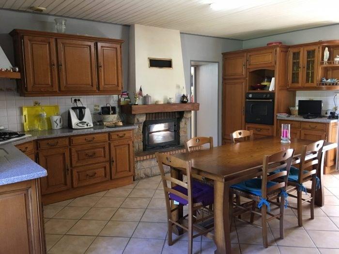 Sale house / villa Nesmy 321500€ - Picture 6