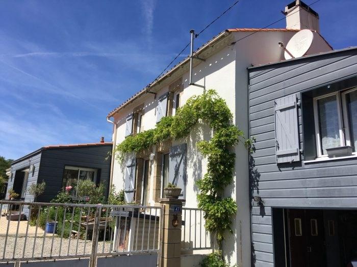 Sale house / villa Les clouzeaux 250700€ - Picture 2