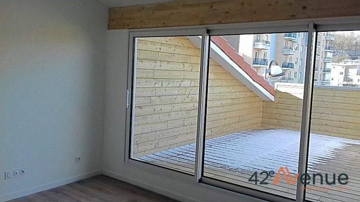 Location appartement Saint-étienne 590€ CC - Photo 2