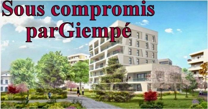 Sale apartment Nantes 246026€ - Picture 1